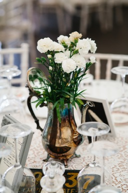 DIY Wedding – Vintage Coffee Pots & Potted Flowers for Table Decor